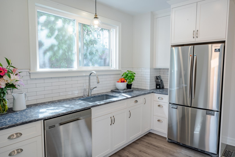 empire-custom-cabinets-countertops-custom-kitchen-4
