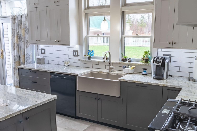 empire-gmq-marble-countertops-custom-kitchens-custom-cabinet-doors-15